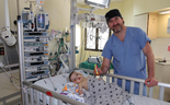 """ד""""ר מיכאל גורביץ, מנהל היחידה להשתלות וניתוחי כבד בילדים והתינוק בן ה-8 חודשים"""