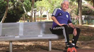 """רז. """"אם יש משהו שמפריע לי גם בגילי זו ההזנחה של הנוער בכדורגל הישראלי"""""""