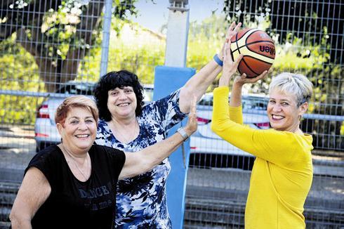 ענת דרייגור, נירקה קניון ארבוב ושושי דמבינסקי. צילום: קובי קואנקס