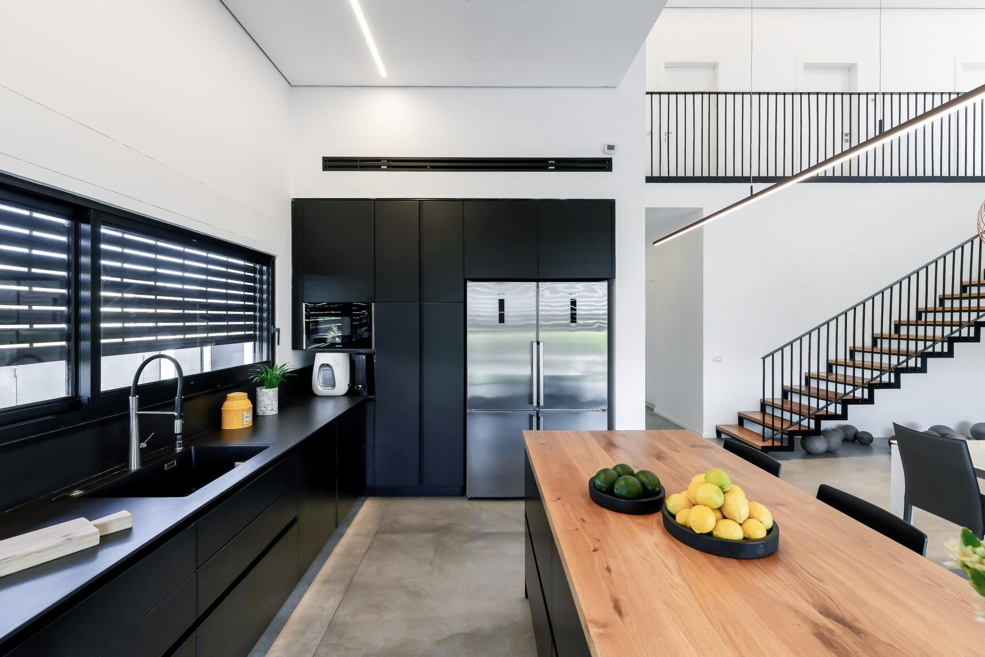 מבט אל המטבח. צילום: יואל אליווה