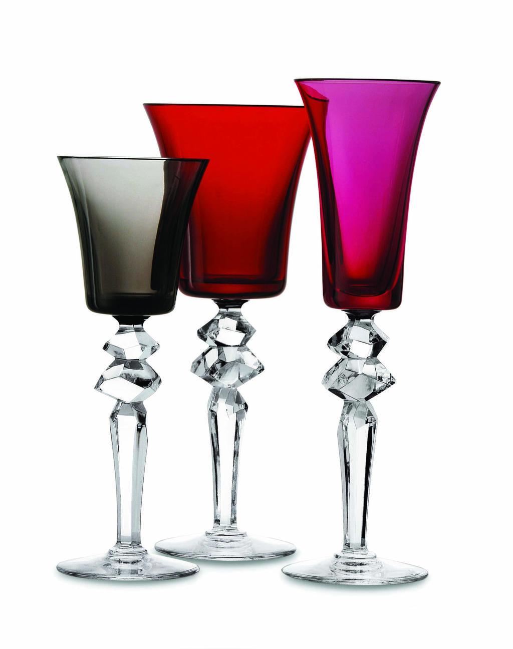 כמו יצירת אומנות על השולחן. גביעי יין קריסטל של חברת Saint Louis. RENBY