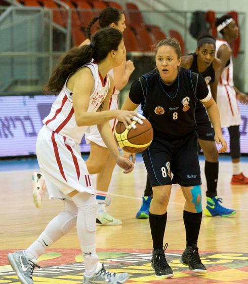 """מיכל אסף, בקדנציה הקודמת בפ""""ת. צילום: ספי מגריזו מנהלת ליגת העל בכדורסל נשים"""