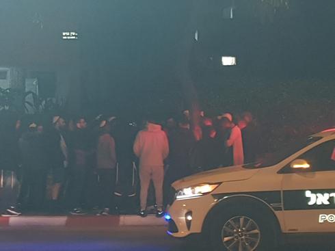 ההפגנה מול ביתו של אורי אהד | צילום: פרטי